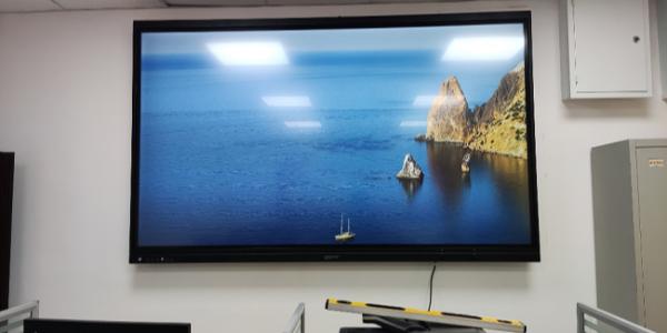 洛菲特98寸智慧会议平板-快捷会议新选择